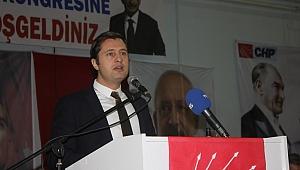 Deniz Yücel: Türkiye'yi maceraya sürüklemeye hakları yok