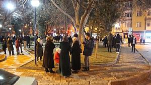 Elazığ'a ilk kurtarma ekibi İzmir'den