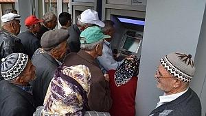 Emeklilere en yüksek promosyon veren banka belli oldu!