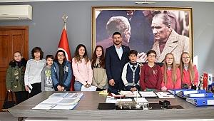 Foça'nın Çocuk Meclisi ilk toplantısını yaptı