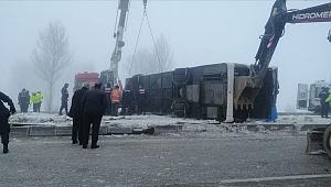 Isparta'da feci kaza! Yolcu otobüsü devrildi: 3'ü ağır 29 yaralı