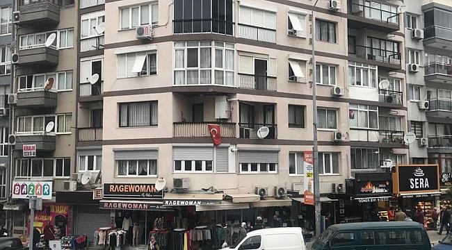 İzmir'de 4. kattaki evinin balkonundan düşen kişi öldü