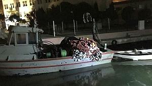İzmir'de denizde yasa dışı avcılığa 49 bin lira para cezası