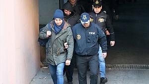 İzmir'de, FETÖ'den gözaltına alınan 105 asker adliyeye sevk edildi