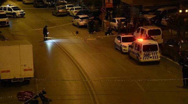 İzmir'de yoldan geçen iki kişinin öldüğü saldırıda gözaltı sayısı 12'ye yükseldi