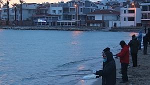 Karaburun'da geleneksel 'Levrek Avı Yarışması' başladı