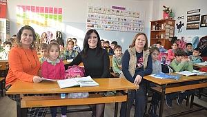 Kuşadası Belediyesi'nden sömestr tatili öncesi ilkokullara ziyaret