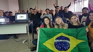 Yabancı gençlerden gönüllü eğitim