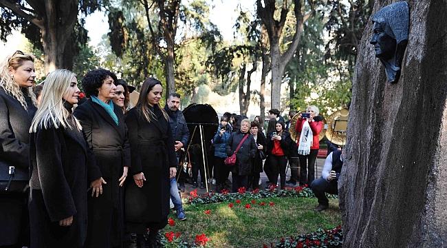 Zübeyde Anne, Karşıyaka'daki kabri başında anıldı