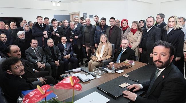 AK Parti İzmir'de kongre hazırlığı: Teşkilat Başkanı Kandemir'den İzmir mesaisi