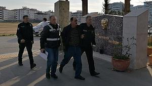 Bir firari daha İzmir'de yakayı ele verdi!