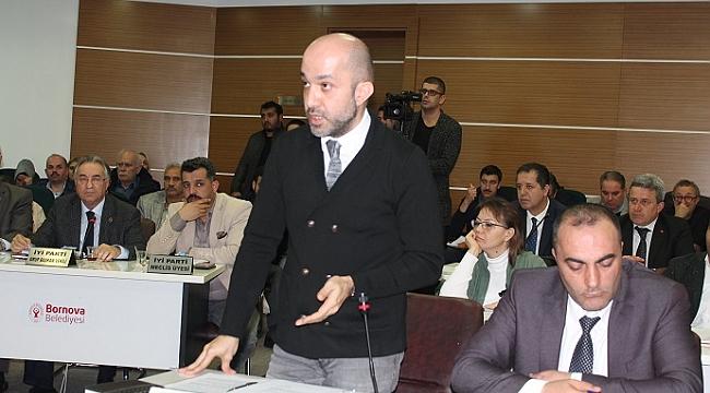 Bornova meclisinde 'tescilsiz bina' tartışması