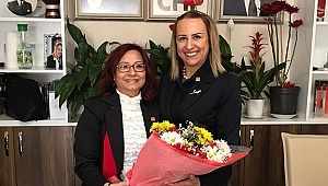 CHP Bayraklı Kadın Kolları Başkanı görevi devraldı