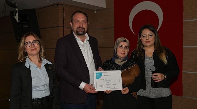 Çiğlili kadınlar sertifikalarını aldı
