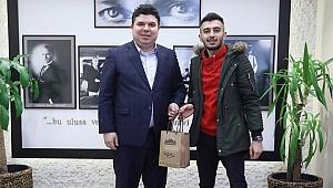 Elazığ'da ailesine kavuşturulan gençten ziyaret