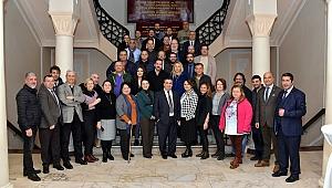 EMD İzmir'de kongre: Demircan güven tazeledi