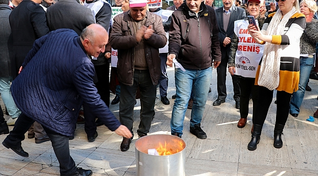 Gaziemir Belediyesi memurlarından