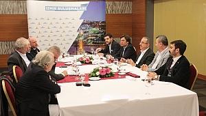 İzmir Buluşmalarında üçüncü adım: Sürekli oda başkanları ile buluştu
