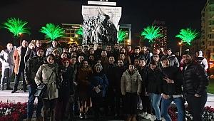 İzmir CHP gençliği genç başkandan yana