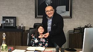İzmir iş dünyasından matematik şampiyonu Elanur'a burs