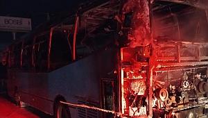 İzmir seyir halindeki otobüste yangın çıktı