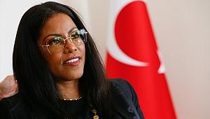 Malcolm X'in kızı İlyasa Şahbaz İzmir'de