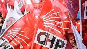 2 meclis üyesi yeniden CHP rozeti taktı