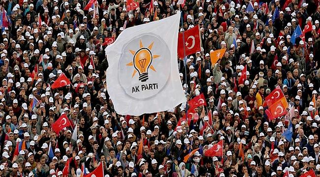 Ak Parti ilçelerde yönetim zaafiyeti mi oluştu?