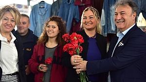 Başkan İduğ'dan kadınlarla 'Bit pazarı' açılışı