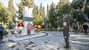 Çanakkale şehitleri için İzmir'de anma töreni
