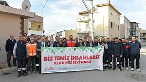 Çiğli'de pazartesi temizliklerine devam