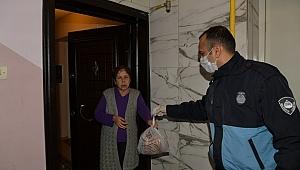 Çiğli'de Yaşlıların ihtiyaçlarını belediye karşılıyor