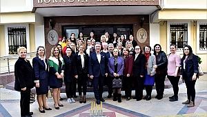 İduğ, CHP'li kadınlar ve gençler ile buluştu