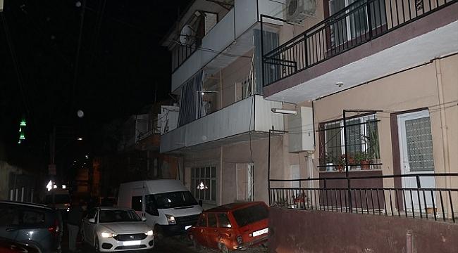 İzmir'de bir kişi, tartıştığı ağabeyini silahla öldürdü