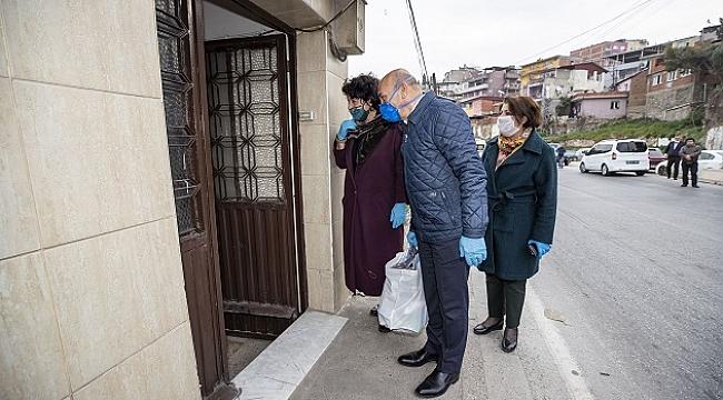 İzmir'de büyük dayanışmayı Başkan Soyer başlattı