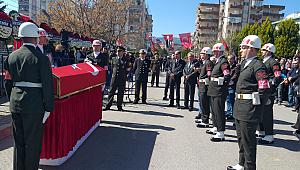 İzmir şehidini on binlerle uğurluyor
