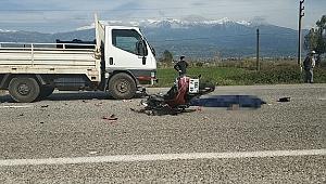 Kamyonetle çarpışan motosikletin sürücüsü öldü