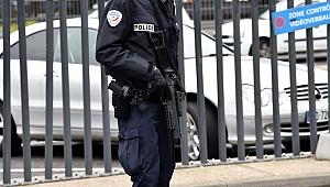 Paris'te camiye silahlı saldırı