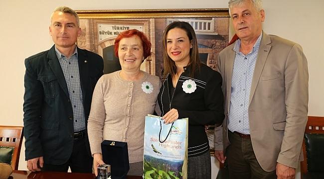 Srebrenitsalı kadınlardan Başkan Sengel'e ziyaret
