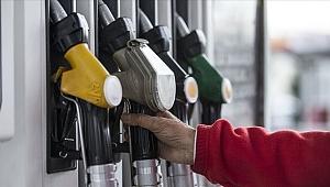 Benzine 8 kuruş zam, otogaza 95 kuruş indirim