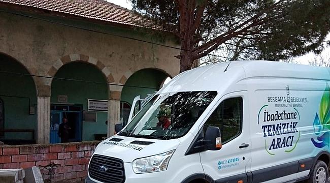 Bergama'da cami ve ibadethanelere özel temizleme