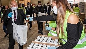 CHP'den, Büyükşehir'in kampanyasına bin gıda paketi
