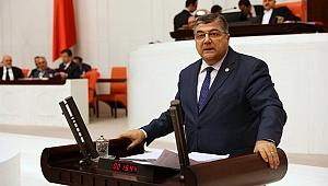 CHP'li Sındır: Atanan öğretmenlerimiz ortada kaldı
