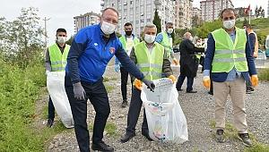 Çiğli Atatürk Mahallesi'nde köşe bucak temizlik