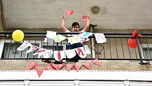 Haydi Bornova! 19.20'de balkonlara