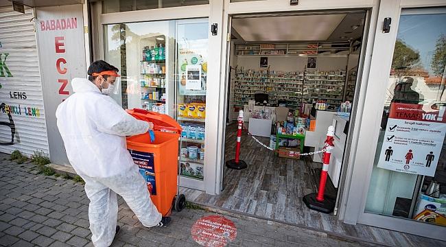 İzmir'de atık maske ve eldivenler için önlem