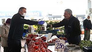 Karşıyaka'nın pazar yerlerinde 'korona' denetimi!