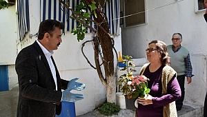 Dikili'de Anlamlı Anneler Günü Kutlaması