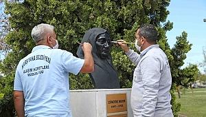 Karşıyaka'nın simge heykelleri bakımda...