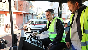 Salgın süresince Bayraklı'da 9 mahalleye 143 ton asfalt